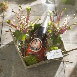Dienblad met bloemenvaasjes  €  23,50
